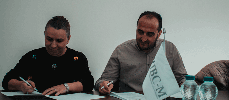 "IBC-M signs an MOU with gymnasium ""Frang Bardhi"" to support the Education Fair"