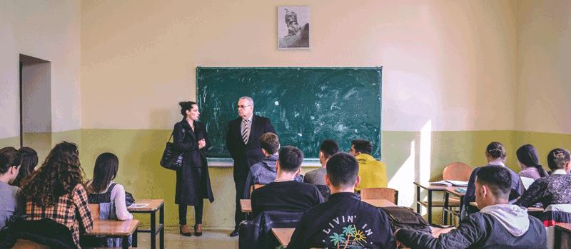 "IBC-M visits ""Hasan Prishtina"" Economic Highschool in Mitrovica"