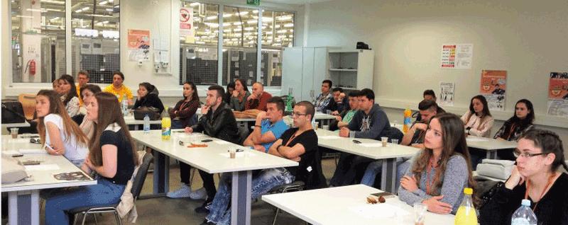 Vizitë Studimore: Studentët e Marketingut dhe Menaxhmentit vizituan Johnson Electric në Nish